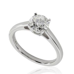 Belle : Bague de fiançailles en platine, solitaire diamant à cathédrale et panier. Production et livraison en 18 à 4 jours ouvrés.