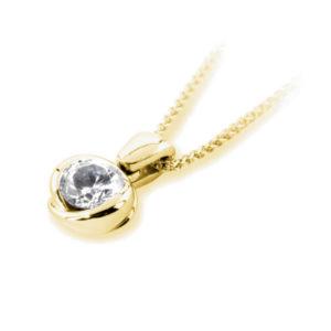 Exquis : Pendentif diamant en or jaune 18k serti semi-clos, chaîne en or incluse. Production et livraison en 10 à 5 jours ouvrés.