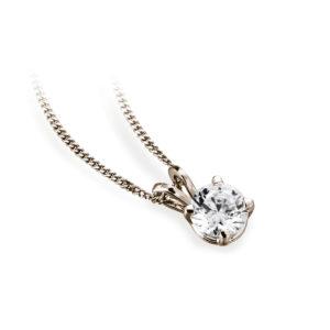 Ravissant : Pendentif diamant solitaire en or rose 18k, chaîne en or incluse. Production et livraison en 18 à 4 jours ouvrés.