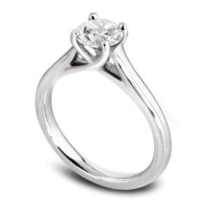 Raffinée : Solitaire diamant en or blanc 18k, cathédrale et quatre griffes en treillis. Production et livraison en 18 à 4 jours ouvrés.