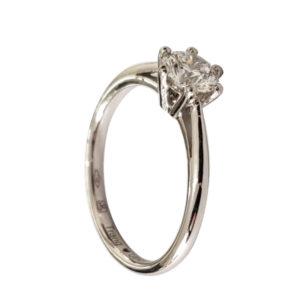 Merveilleuse : solitaire diamant, bague à six griffes et cathédrale en platine. Production et livraison en 7 à 4 jours ouvrés.